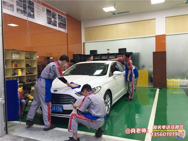 广东岭南现代技师学院智能制造学院实训场室