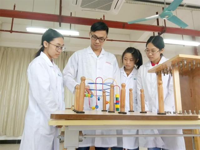 广东岭南现代技师学院康复保健专业