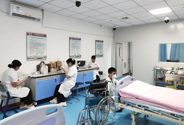 广东岭南现代技师学院护理专业